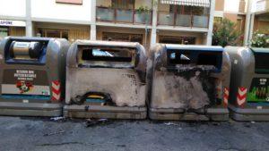 cassonetti bruciati via dosio (1)
