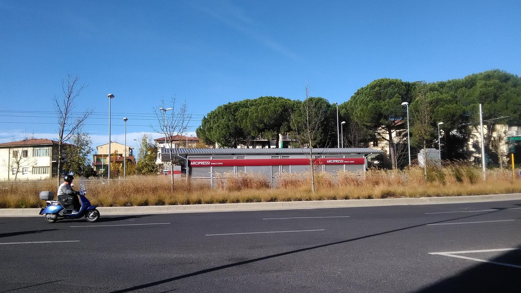 fermata tram arcipressi (3)