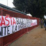 protesta casa pound firenze passerella isolotto (3)