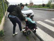 protesta casa pound firenze via simone martini barriere architettoniche disabili (2)