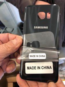 cover telefono contraffatta negozio cinese isolotto 3