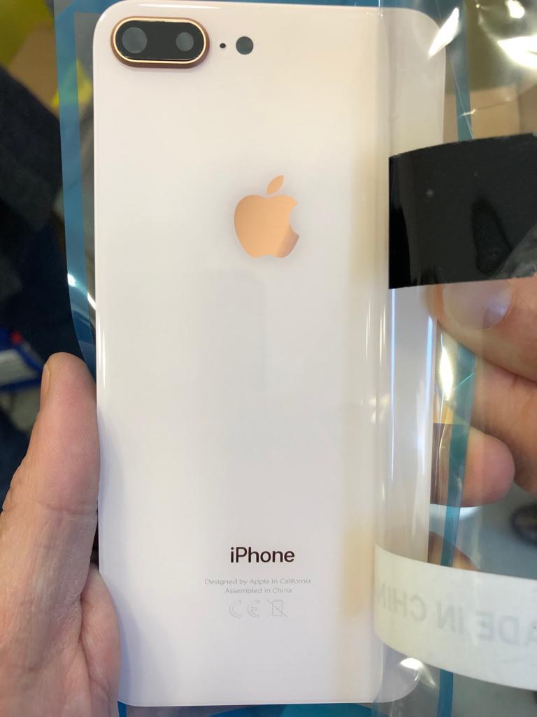 cover telefono contraffatta negozio cinese isolotto