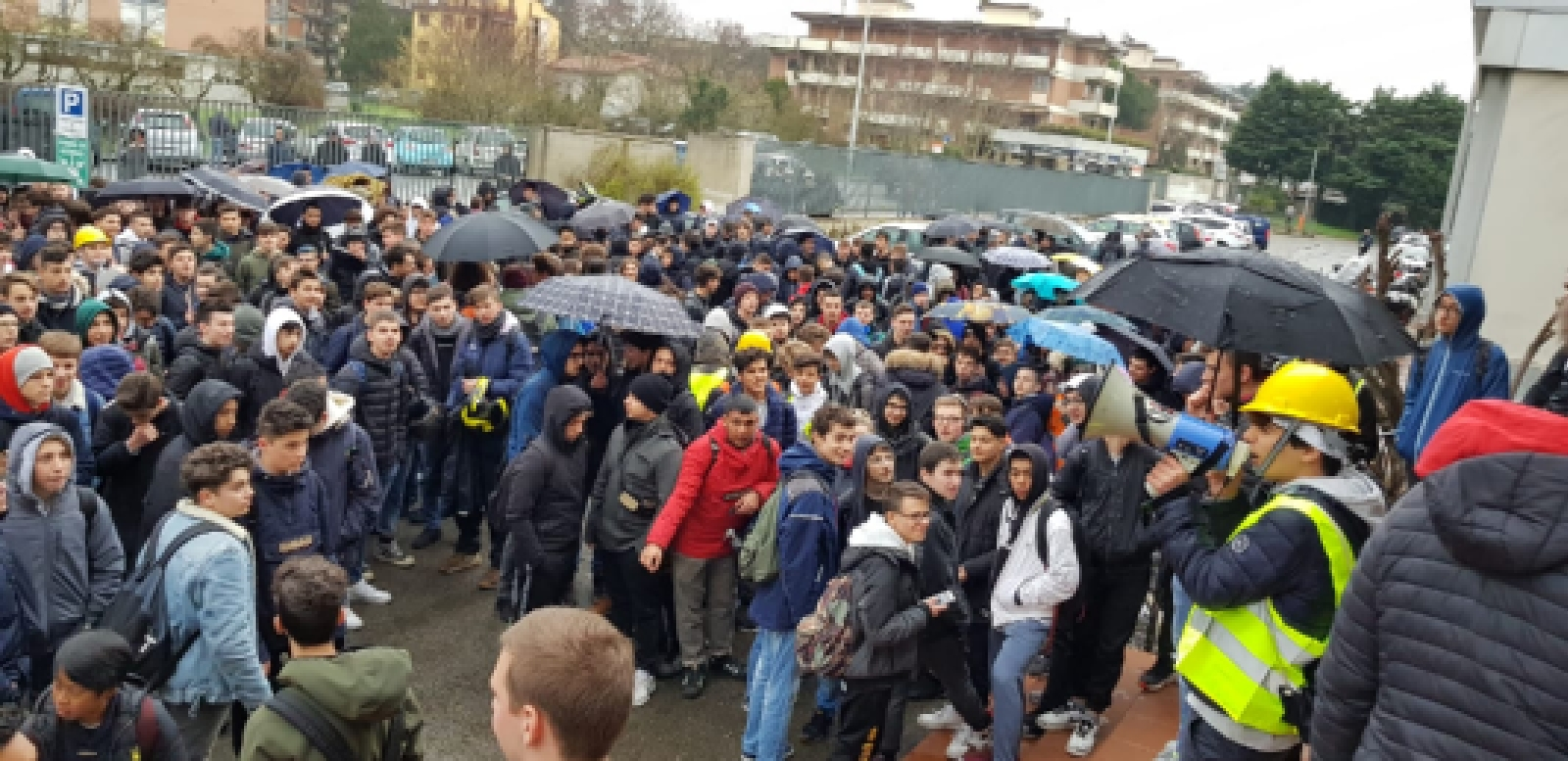 manifestazione protesta itis meucci (1)
