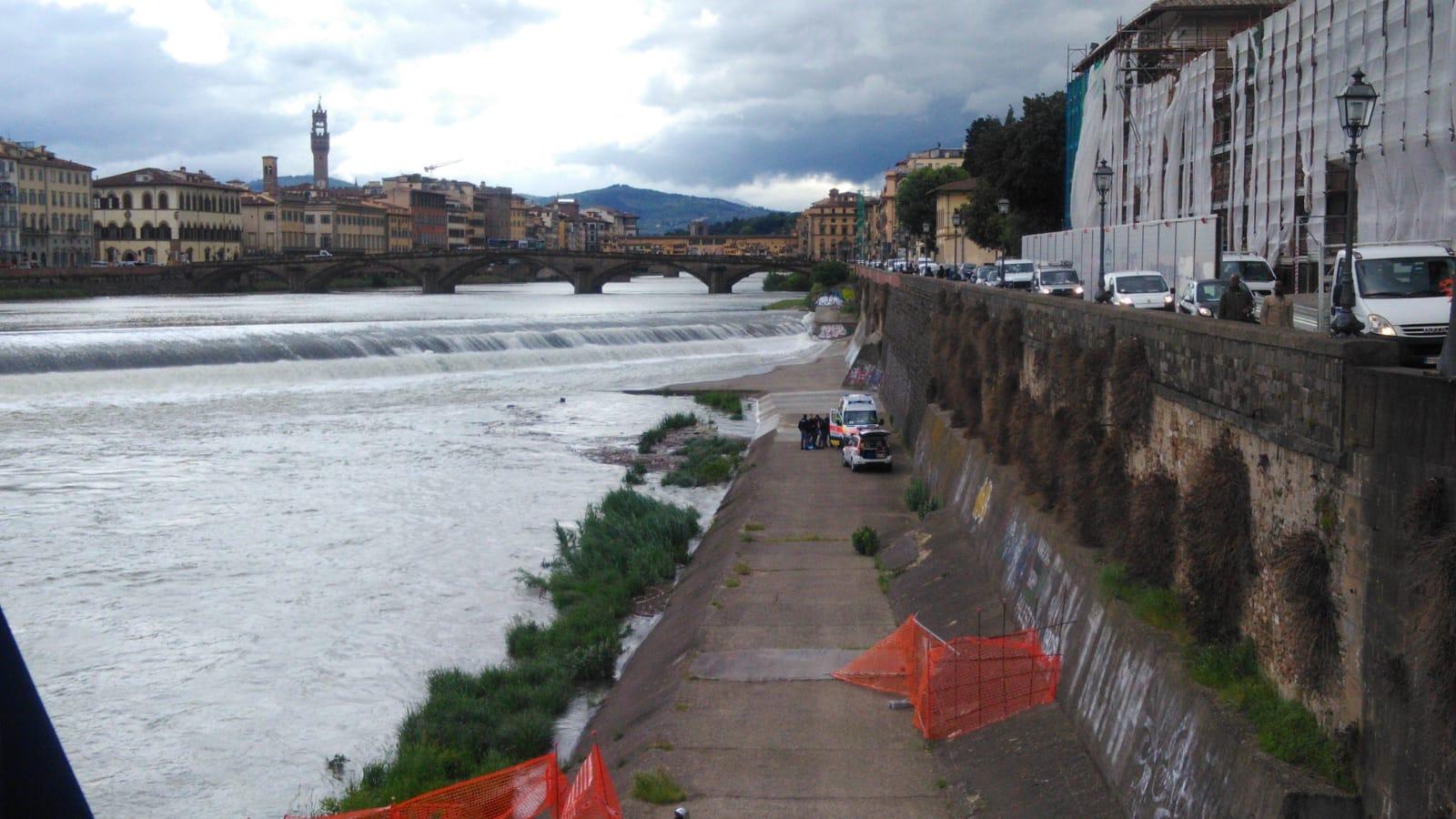 Uomo caduto in Arno2