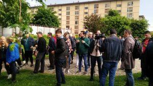 presidio fratelli d'italia e contropresidio sinistre baby gang giardini biblioteca isolotto (2)