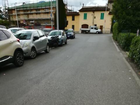via del ronco corto senza marciapiede 2