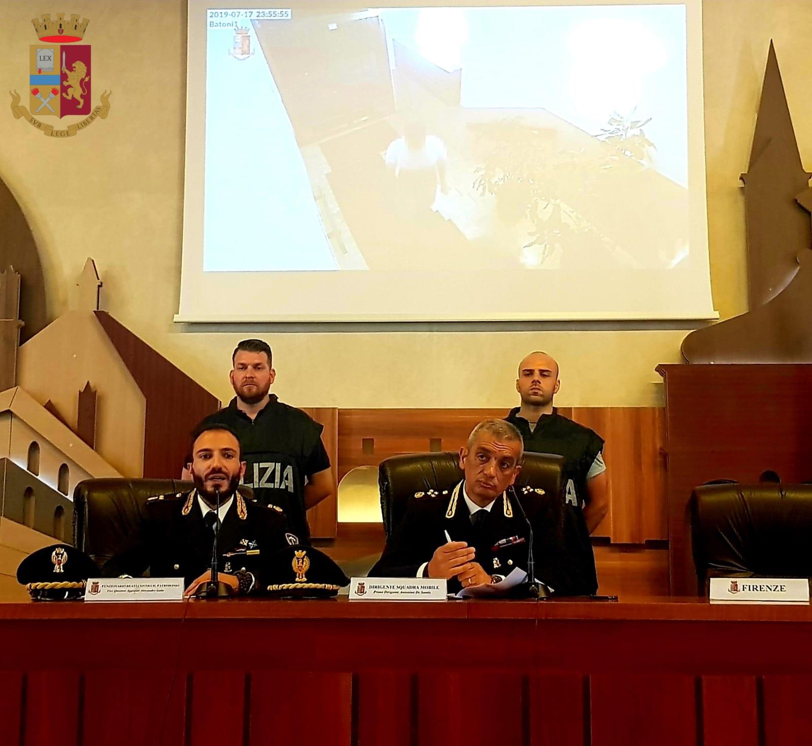 Gli uomini della Squadra Mobile, coordinati dal Vicequestore  aggiunto Alessandro Gallo