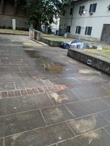 giardino lungo mura di santa rosa degrado senzatetto (4)