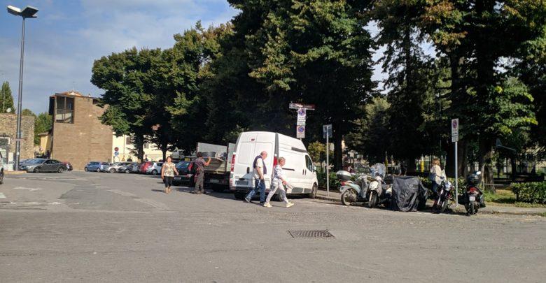 Piazza tasso, una delle principali piazze di Oltrarno