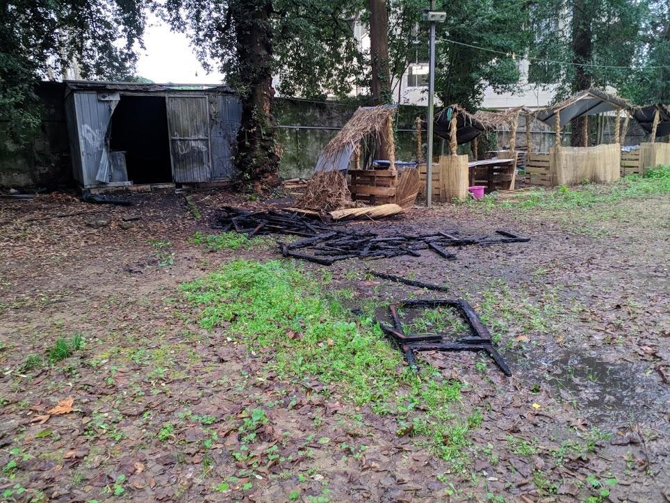 incendio baracca boschetto 1