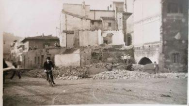 Piazza Gaddi al momento della riqualificazione. Furono demolite anche le case dove era accorpato l'oratorio di San Carlo. Foto per gentile concessione di Carlo Alberto Manetti