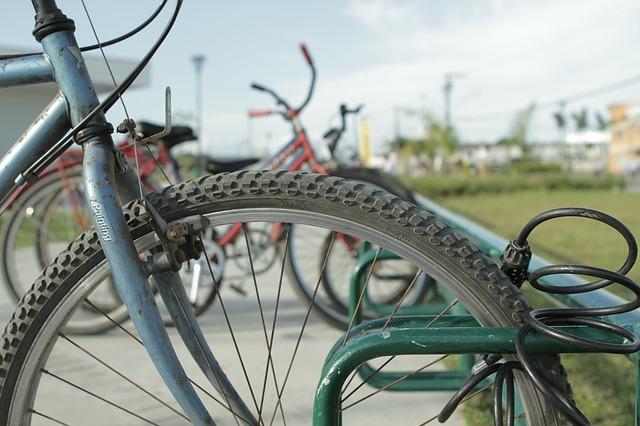 bicicletta lucchetto