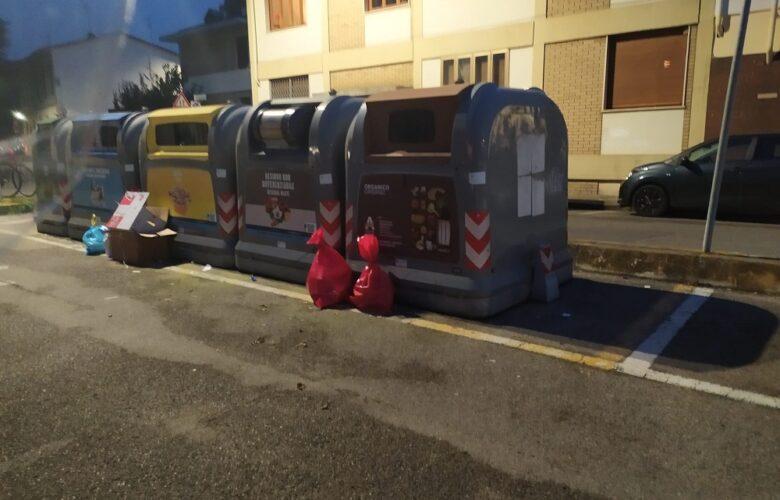 spazzatura rifiuti covid largo del boschetto soffiano