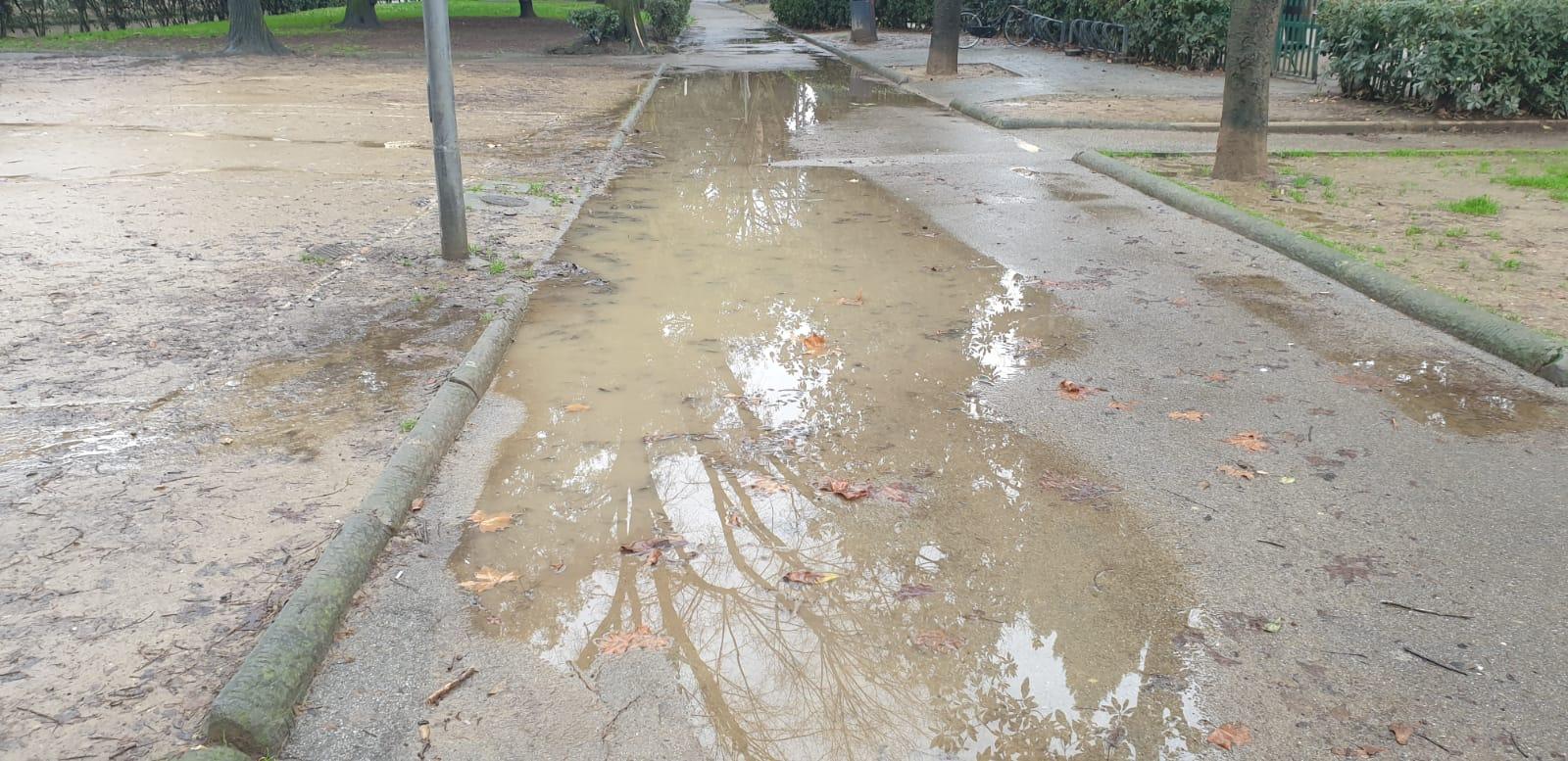 viale dei bambini alagamenti pioggia (4)