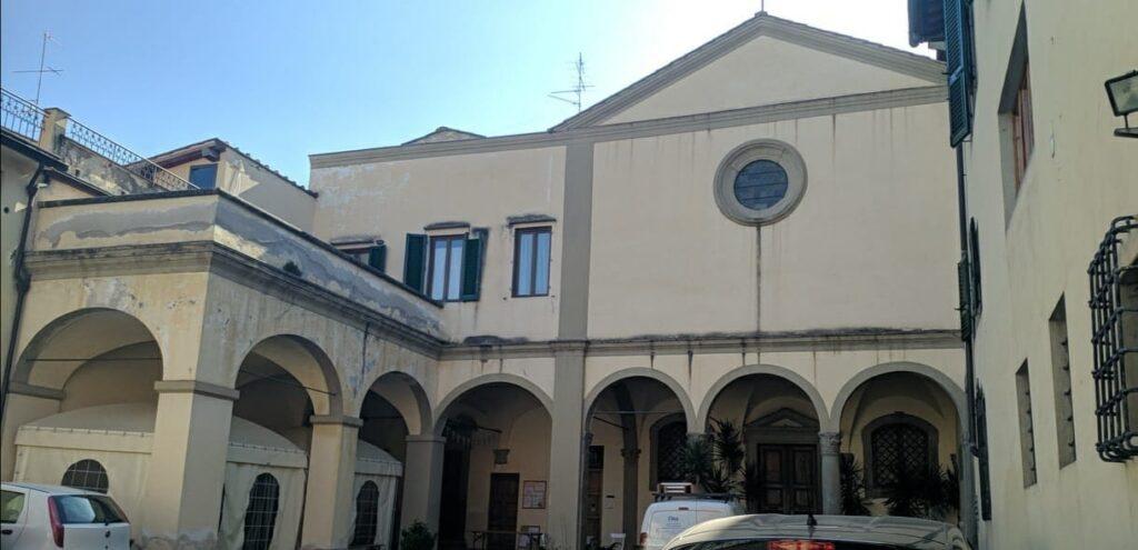 Chiesa e convento di San Pietro a Monticelli, la facciata
