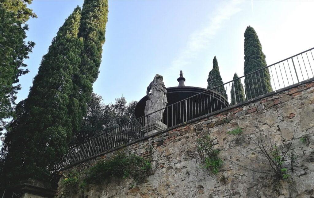 L'edicola che dà il nome alla Villa dell'Ombrellino a Bellosguardo