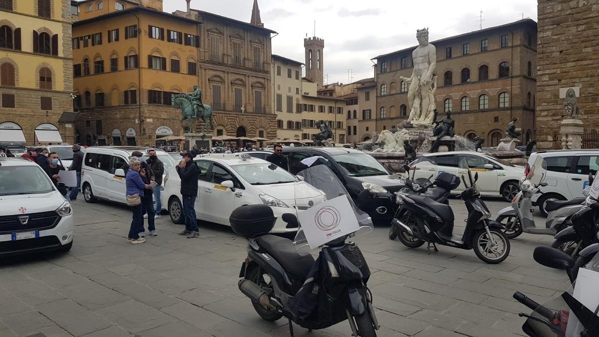 manifestazione taxi firenze (1)