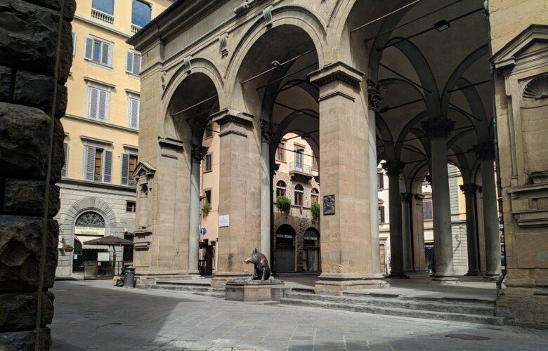 La loggia del Mercato nuovo al Porcellino, vicino a cui si è tenuta la terribile spedizione punitiva dello scorso 10 ottobre