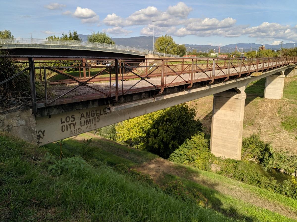 ponte dei cazzotti los angeles (1)