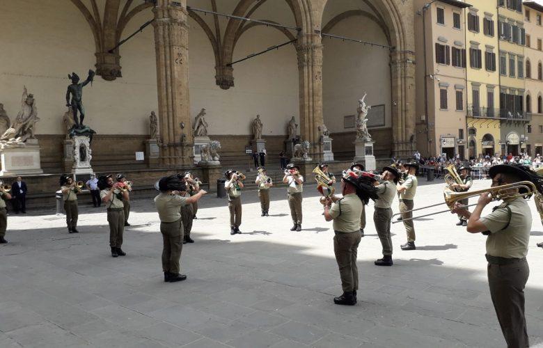 fanfara esercito piazza signoria (1)
