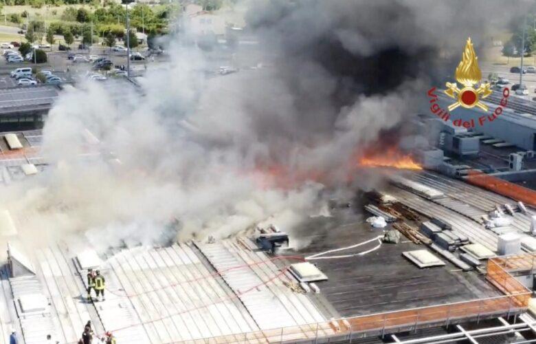 incendio coop ponte a greve vigili del fuoco (3)