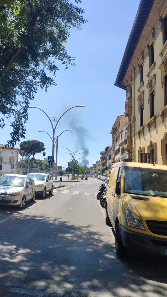 Colonna di Fumo visibile da porta a Prato