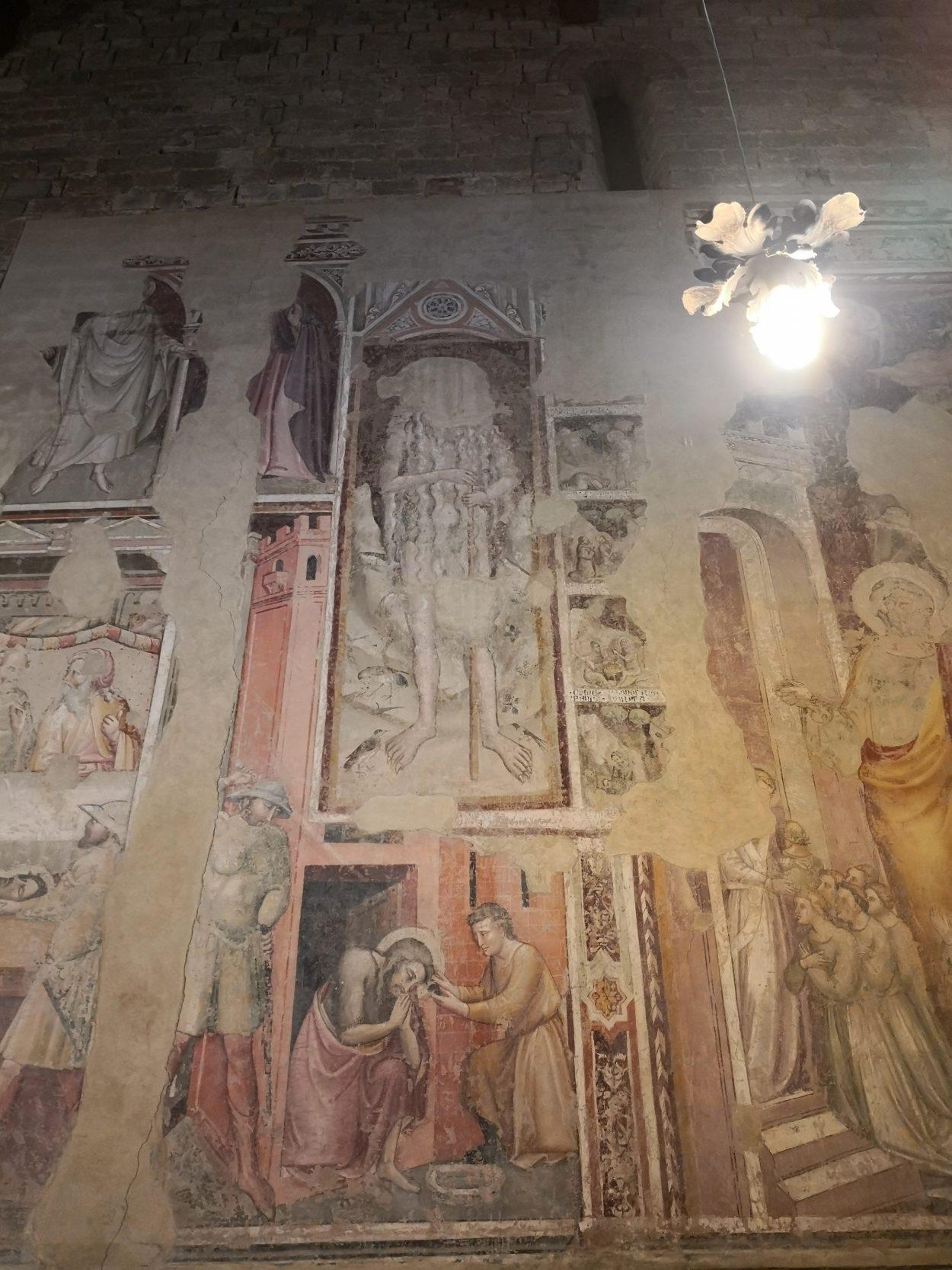 Alcuni degli affreschi presenti all'interno della chiesa di Santa Maria a Soffiano