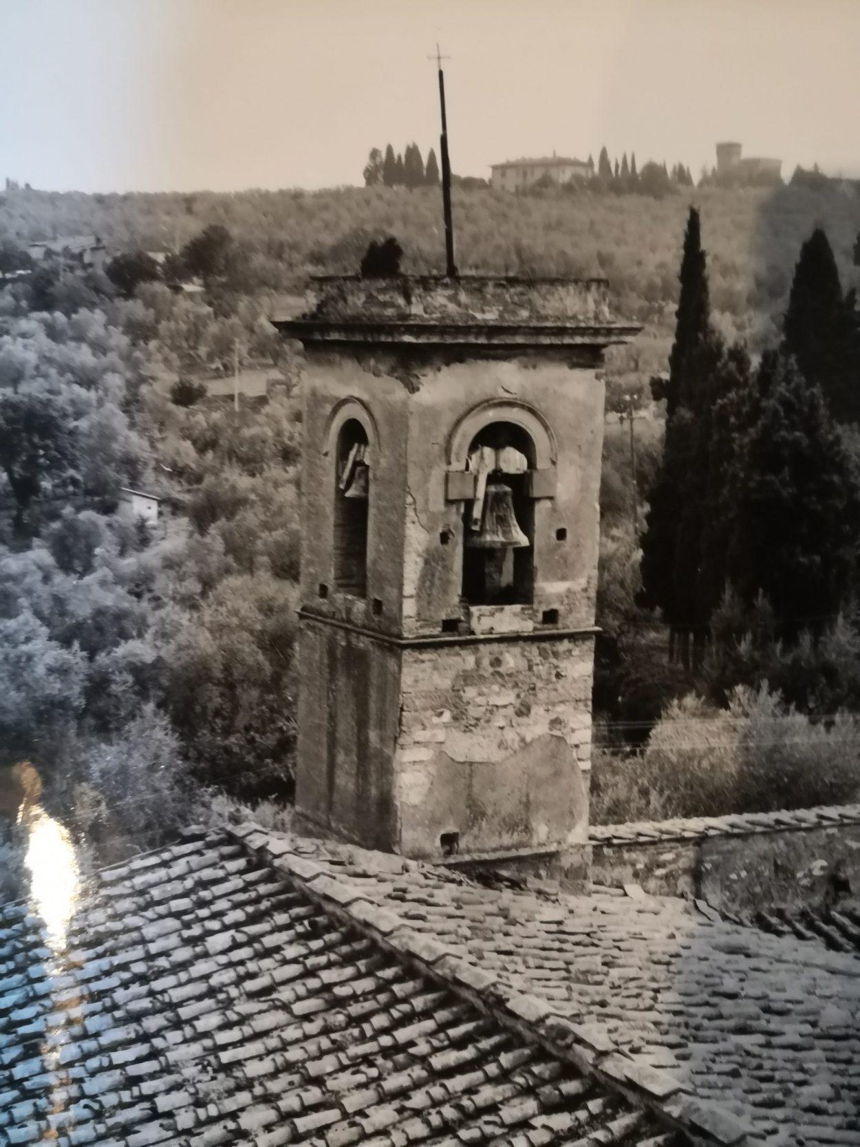 L'antico campanile a torre poi restaurato e modificato
