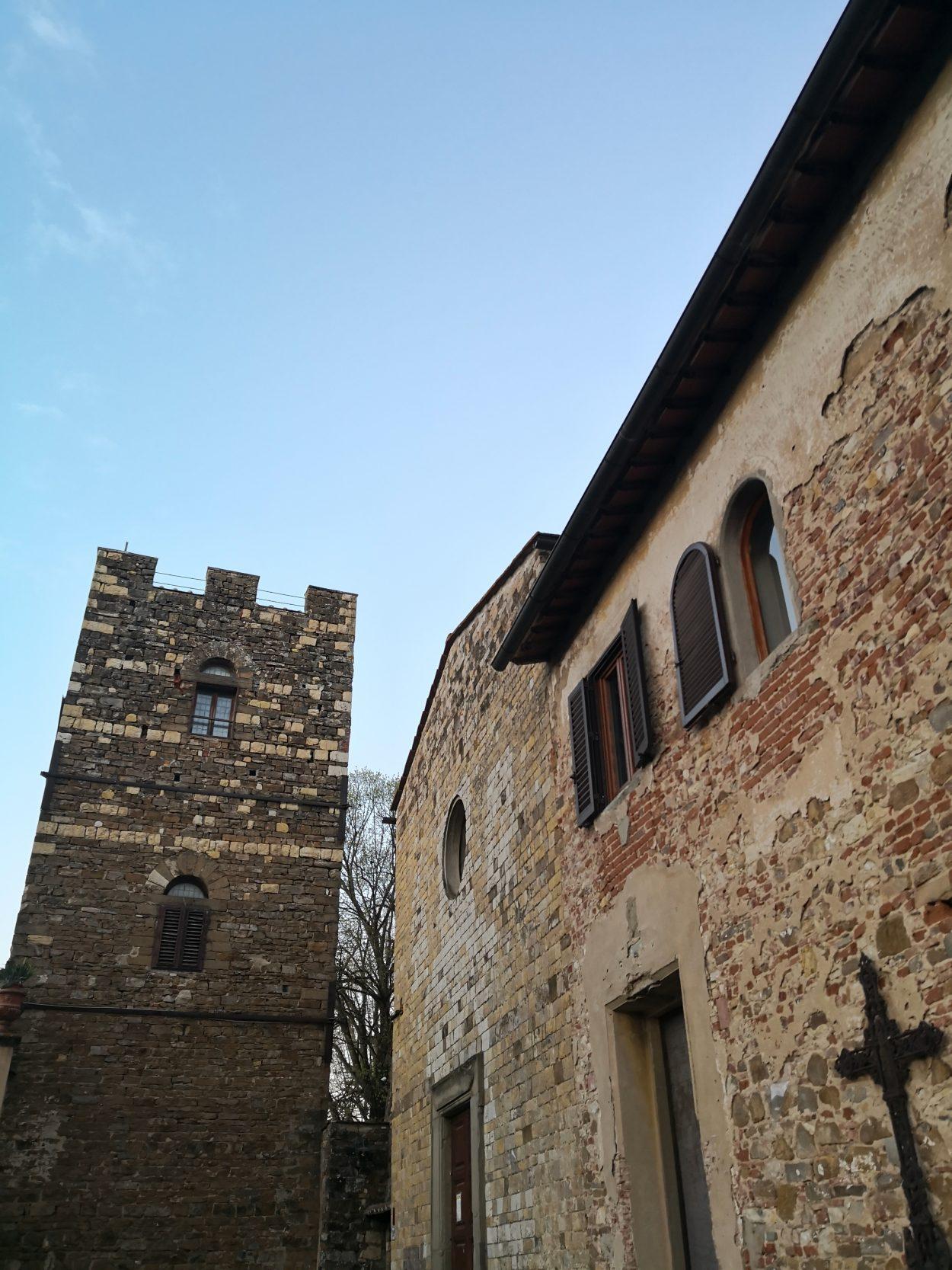 La chiesa di Santa Maria a Soffiano con a fianco la Torre dei Lambardi
