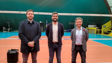 Da sinistra: il presidente Commissione sport marco Burgassi; l'assessore allo sport Cosimo Guccione; il presidente di Quartiere 4 Mirko Dormentoni. Foto di Archivio IsolottoLegnaia.it